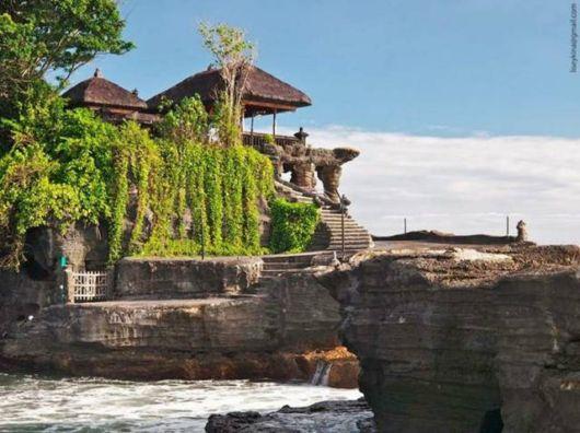 Pura Tanah - A Sea Temple in Bali
