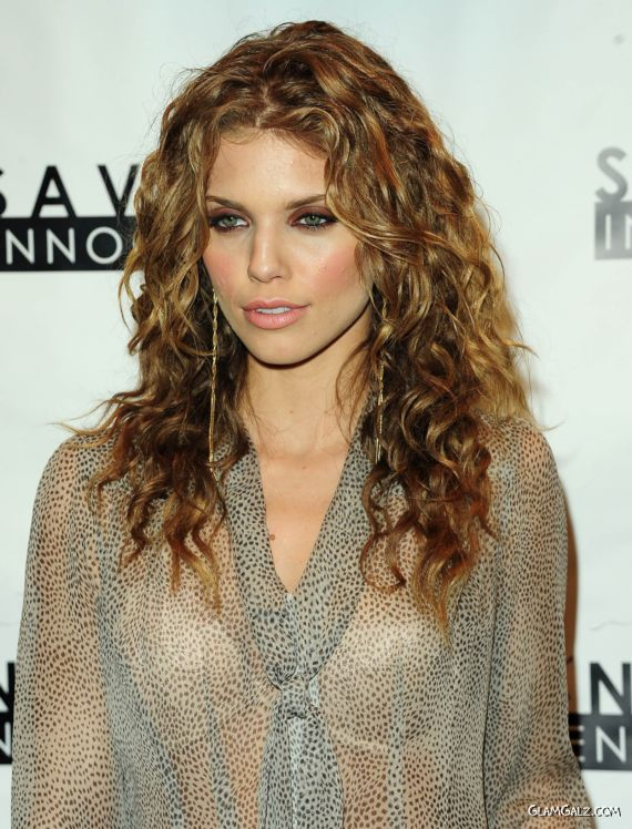 AnnaLynne McCord For Hope Pass It On Gala