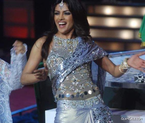Priyanka Chopra Performs at Femina Miss India