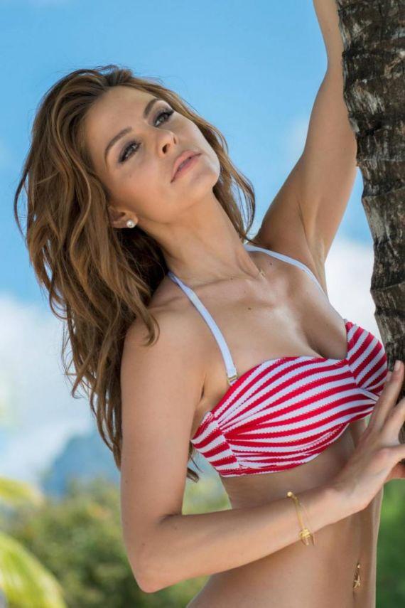 Maria Menounos Photoshoot In Bora Bora