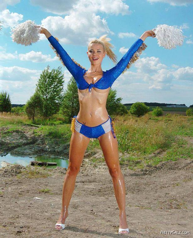 Hottest Cheerleader Kathy Lea