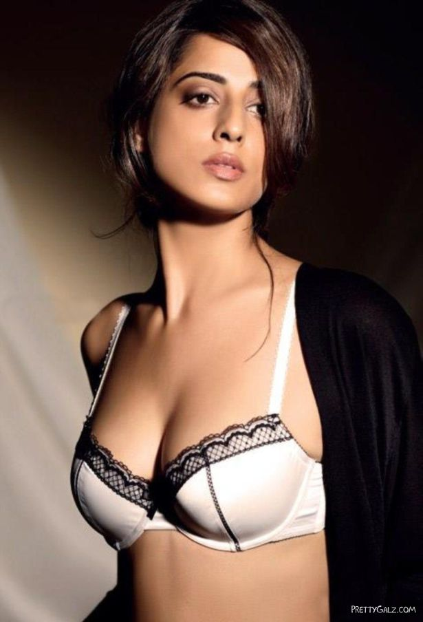 Mahie Gill Exclusive Photo Gallery