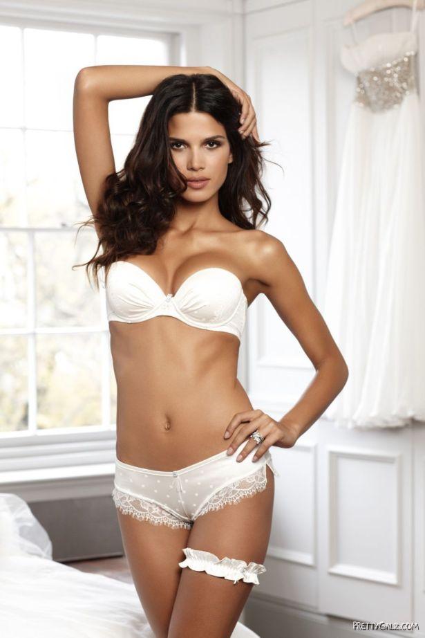 Beautiful Brazilian Beauty Raica Oliveira